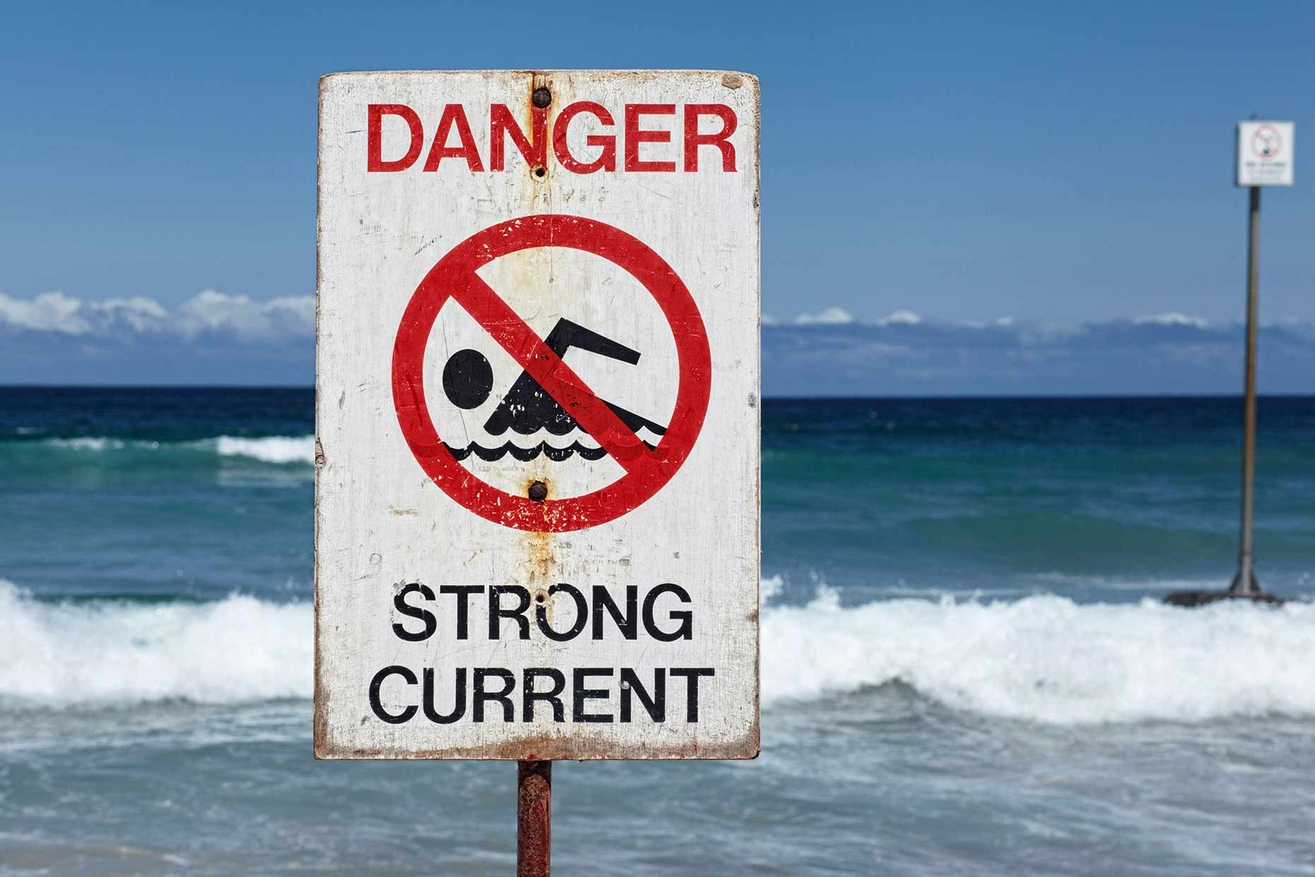 australie-down-manly-beach-ocean-sydney_strong_current-sign.jpg