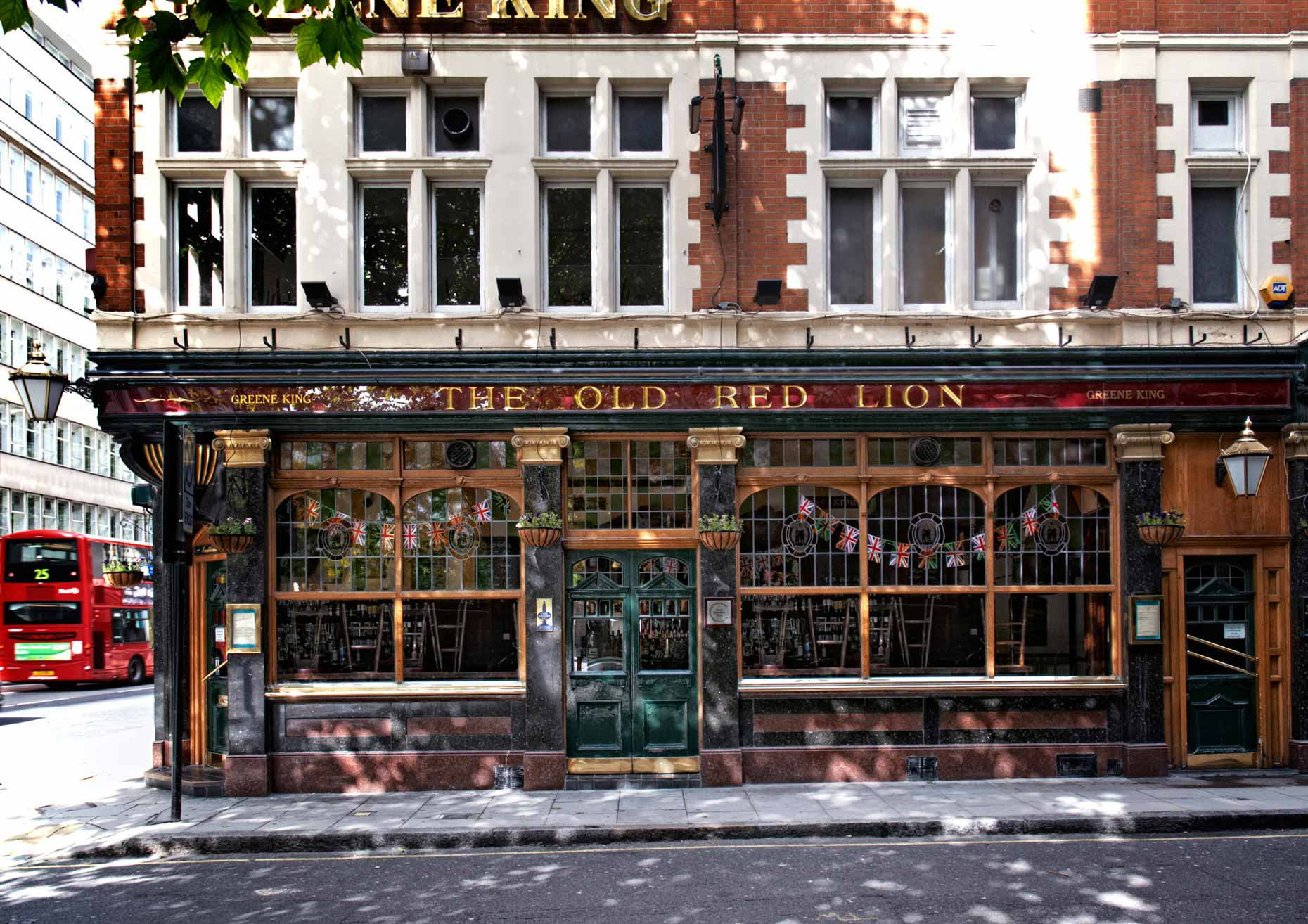beeldbewerker-london-pub-old-red-lion-tjeerd-kruse-london pub-old red lion-beeldbewerking-vrij-werk